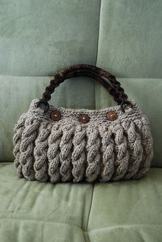 "Crochet handbags 459156124493602338 - ""Bolso crochet"" There isn't a link for this bag but I like it and thought the image might inspire something in the same manner. S Source by aapolloni Crochet Handbags, Crochet Purses, Crochet Bags, Hand Knit Bag, Knitting Accessories, Casual Bags, Knitted Bags, Handmade Bags, Clutch Bag"
