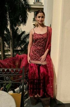 These bollywood celeb inspired outfit ideas are the most trending this Indian wedding season.You can wear the same for your friend/sister's engagement party in Indian Wedding Outfits, Bridal Outfits, Indian Outfits, Winter Wedding Outfits, Indian Weddings, Lehenga Designs, Indian Attire, Indian Wear, Bride Indian
