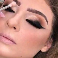 Smoke Eye Makeup, Black Smokey Eye Makeup, Dramatic Eye Makeup, Makeup Eye Looks, Eye Makeup Art, Colorful Eye Makeup, Natural Eye Makeup, Makeup For Brown Eyes, Glam Makeup