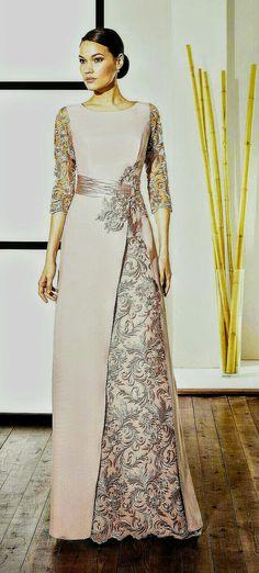 64128bba8 I like the kirtle aspect of this dress. Lolina Correa · vestidos de Boda