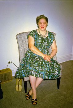 1960. I like Aunt Wanda's dress...stunning fabric and so sliming. I have a friend Earl who might be interested...or not...