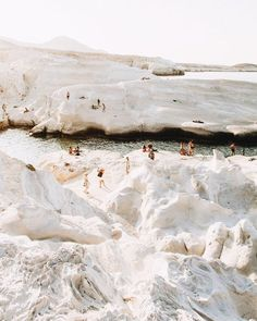Milos, Kikladhes, Griechenland - Simply by Simone - Travel Oh The Places You'll Go, Places To Travel, Travel Destinations, Places To Visit, Voyager C'est Vivre, Couple Travel, Travel Aesthetic, Adventure Is Out There, Travel Goals