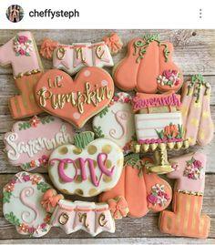 First birthday lil pumpkin cookies Halloween First Birthday, 1st Birthday Party For Girls, First Birthday Themes, Birthday Ideas, October Birthday, Birthday Photos, Birthday Cakes, 2nd Birthday, Fall 1st Birthdays