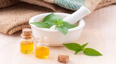 Melaleuca oil (tea tree oil) is an essential oil that is extracted from the leaves of the Melaleuca alternifolia. Tea tree oil has 92 . Essential Oils For Asthma, Lemon Essential Oils, Pure Essential, Organic Skin Care, Natural Skin Care, Natural Health, Natural Oils, Organic Oils, Natural Makeup