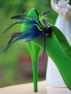 Peacock green shoe clips! Something Blue / Purple. Wedding / Bridal Party / Bride Accessory. Custom made colors! From Sofisticata on etsy :)