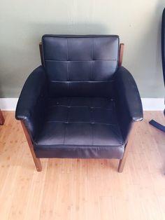 Paoli Mid Century Arm Chair