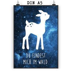Poster DIN A5 Reh aus Papier 160 Gramm  weiß - Das Original von Mr. & Mrs. Panda.  Jedes wunderschöne Motiv auf unseren Postern aus dem Hause Mr. & Mrs. Panda wird mit viel Liebe von Mrs. Panda handgezeichnet und entworfen.  Unsere Poster werden mit sehr hochwertigen Tinten gedruckt und sind 40 Jahre UV-Lichtbeständig und auch für Kinderzimmer absolut unbedenklich. Dein Poster wird sicher verpackt per Post geliefert.    Über unser Motiv Reh  Rehe sind als einheimische Waldbewohner bekannt…