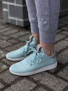 quality design d950b 6d8ce Spring 2018 Collection Womens Adidas Pharrell Williams Tennis HU