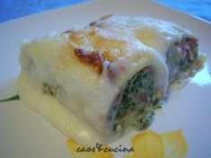 crespelle alla parmigiana Baked Pasta Recipes, Bechamel Sauce, Christmas Lunch, Homemade Pasta, Pasta Bake, Antipasto, Fresh Rolls, Cake, Food And Drink
