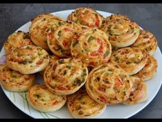 Mini pizzas roulées / ميني بيتزا ملفوفة - YouTube Pizza Roulée, Bakers Yeast, My Favorite Food, Favorite Recipes, Savory Pastry, Cooking Recipes, Healthy Recipes, Grated Cheese, Burger Recipes