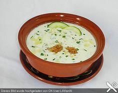 Kalte bulgarische Joghurtsuppe