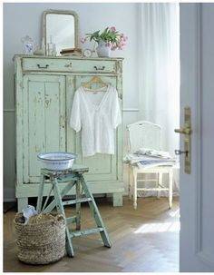 ... Pinterest  Distressed Furniture, Nostalgia and Shabby Chic Decorating