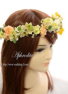 ウエディングブーケ専門ショップ・アフロディーテ(Wedding Bouquet Aphrodite)  ナチュラルな花冠「ひまわりをポイントに」
