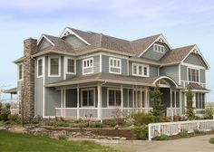 Victorian House Wrap around porch exterior