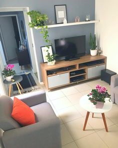 30 Affordable Apartment Living Room Design Ideas On A Budget aoneperfume 2019 … - Modern Home Living Room, Apartment Living, Interior Design Living Room, Living Room Designs, Living Room Decor, Bedroom Decor, Apartment Ideas, Deco Studio, First Apartment Decorating