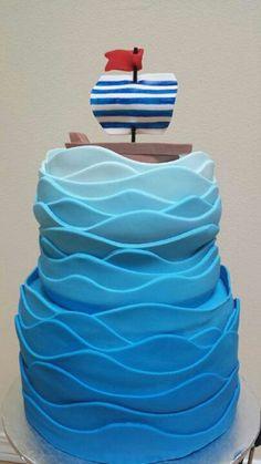 Ocean wave cake....with a surfer instead of a boat @Tara Harmon Harmon Aguilar