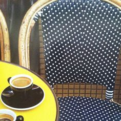 ♥ these French chairs and tables!