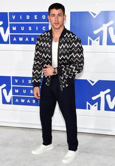 The Greatest And Worst Red Carpet Appears From The VMAs 2016 - http://www.laddiez.com/fashion/the-greatest-and-worst-red-carpet-appears-from-the-vmas-2016.html - #2016, #Appears, #Carpet, #From, #Greatest, #VMAs, #Worst