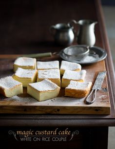 Easy and quick magic custard cake recipe that separated in three layers, middle layer is a wonderful custard center. Similar to a magic custard pie recipe. Just Desserts, Delicious Desserts, Yummy Food, Sweet Recipes, Cake Recipes, Dessert Recipes, Pie Dessert, Cupcakes, Cupcake Cakes