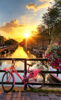 Romantic Sunrise - 18 stunningly beautiful pictures of Amsterdam - Netherlands Tourism Romantic Places, Romantic Travel, Beautiful Places, Beautiful Pictures, Stunningly Beautiful, Amazing Places, Netherlands Tourism, Amsterdam Netherlands, Places To Travel