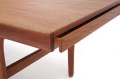이미지 출처 http://www.danishteakclassics.com/wp-content/gallery/teak-formica-coffee-table-3018/20100604_web_dtc_050.jpg