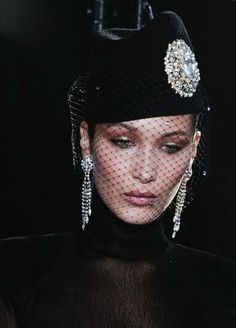 e8eb09a8e3e30 notordinaryfashion  Alexandre Vauthier Haute Couture F W 2017-18...  Alexandre