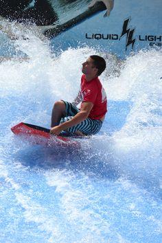Great posture, FlowRider! Camelbeach Flow Tour 2013 #Camelbeach #FlowTour #FlowRider Late 20th Century, Wakeboarding, Extreme Sports, Snowboarding, Oasis, Skateboard, Camel, Flow, Surfing