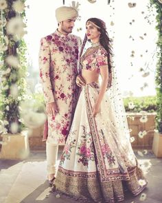 Here are the best Pakistani and Indian matching wedding dresses for bride and groom in There are the unique bride and groom dress color combinations. Vogue Wedding, Desi Wedding, Wedding Ideas, Wedding Gowns, Wedding Groom, Lehenga Wedding, Wedding Suits, Trendy Wedding, Wedding Blue