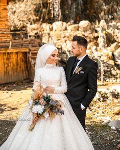 Hijab Wedding Dresses, Muslim Couples, Wedding Photoshoot, Dream Wedding, Party Wedding, Cute Couples, Eminem, Bridal, Celebrities