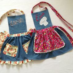 Toddler / Children Apron Personalized Handmade Denim and Accent Fabric of Choice. - Emine Ceylan Toddler / Children Apron Personalized Handmade Denim and Jean Crafts, Denim Crafts, Jean Apron, Toddler Apron, Childrens Aprons, Cute Aprons, Sewing Aprons, Recycle Jeans, Aprons Vintage