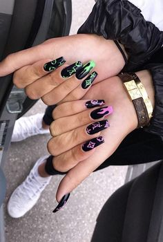 Discovered by alice :). Find images and videos about cute, pretty and nails on We Heart It – the app to get lost in what you love. - Image about cute in makeup/nails/hair👑 by alice :) Grunge Nails, Edgy Nails, Glam Nails, Stylish Nails, Drip Nails, Aycrlic Nails, Cute Nails, Pretty Nails, Coffin Nails