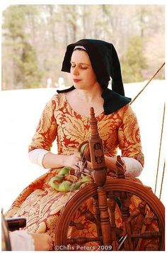 15th century kirtle. Later period than I like, but it's so pretty!
