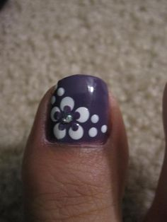 Cute toe nail design.