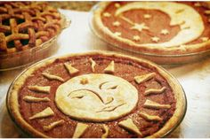 """Celestial Pies >> Perfect for a Solstice Celebration or Thanksgiving or Xmas. > Perfect for a Solstice Celebration or Thanksgiving or Xmas.""""> Celestial Pies >> Perfect for a Solstice Celebration or Thanksgiving or Xmas. Pie Crust Designs, Holiday Recipes, Holiday Pies, Sweet Tooth, Snacks, Dessert Recipes, Food And Drink, Cooking Recipes, Favorite Recipes"""
