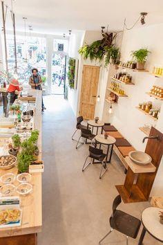 Interior de un café/restaurante orgánico.