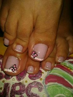 Uñas decoradas Pedicure Designs, Pedicure Nail Art, Toe Nail Designs, Toe Nail Art, Hair And Nails, My Nails, Feet Nail Design, Cute Pedicures, Cute Toe Nails