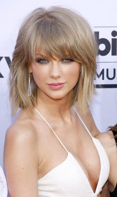 The best Taylor swift hot ideas Taylor Swift Hot, Taylor Swift Country, Estilo Taylor Swift, Taylor Swift Style, Taylor Swift 2017, Taylor Swift Bangs, Taylor Swift Makeup, Beauté Blonde, Taylor Swift Pictures
