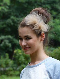 foto: Ewa Okularczyk modelka: Paulina Chrapkowska make up: Hania Idziak fryzura: Ewa Okularczyk ubrania: Ziplt fascynator: YOKOdesign