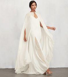BRB, going to wear a wedding cape every day. Wedding Cape, Bridal Cape, Bridal Gowns, Wedding Gowns, Rustic Wedding, Dream Wedding, Stone Fox Bride, Wedding Trends, Wedding Styles