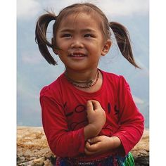 #Hmong girl on #TaXua mountains. #SonLa province. North #Vietnam.  Photo by @yenchee07. ____ by ig_vietnam