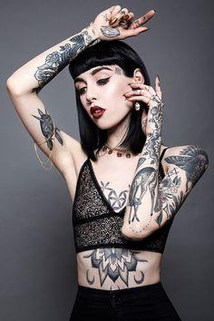 // Les Belles Filles Tatouées