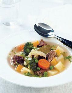 Vihreä lihakeitto | Liharuoat | Pirkka Ramen, Soups, Koti, Ethnic Recipes, Drink, Soup, Drinking, Beverage, Drinks