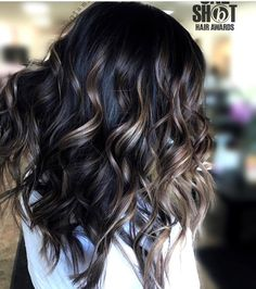 Long Hair - Lange Haare - Tigi We are living in a purely cosmetic world where looks and appearances Brown Hair Balayage, Hair Color Balayage, Dark Hair Highlights, Bayalage, Balayage Brunette, Brunette Hair, Haircolor, Hight Light, Hair Color And Cut