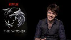 Joey Batey talks about Jaskier/Dandelion New Netflix, Shows On Netflix, The Witcher Series, Sword Of Destiny, Witcher Art, Watch The Originals, Geralt Of Rivia, Chin Up, Tom Hardy
