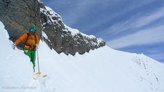 Les premières neiges sont tombées, découvrez ce séjour hors-piste à la #Clusaz , authentique village niché entre Genève et Annecy Voyage Ski, Ski Freeride, Best Skis, Mount Everest, Skiing, Authentique, Mountains, World, Travel