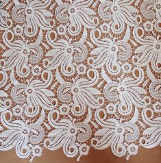 1 yard ivory wedding lace fabric, bridal lace fabric,flower lace, scalloped trim lace for bridal veil,for DIY dress,width 120 cm(107-17)