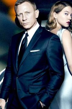 Daniel Craig wearing Tom Ford O'Connor Base Navy Sharkskin Two-Piece Suit
