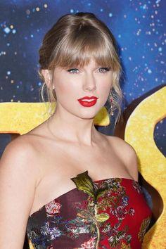 Taylor Swift Web Photo Gallery: Click image to close this window Taylor Swift Cute, Taylor Swift Hair, Taylor Alison Swift, Swift Photo, Beauty Full Girl, Celebs, Celebrities, Emma Watson, American Singers