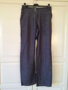 Pantalone in denim leggero, PRENATAL, taglia 42-44; 18€ http://hipmums.it/collections/premaman/products/pantalone-denim-leggero-elastico-regolatore-in-vita