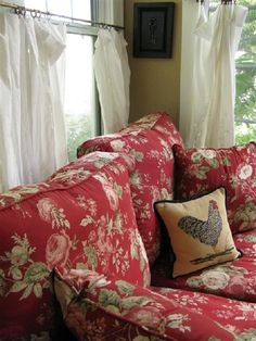 There are numerous several types of sofa and loveseats which you can purchase. The floral sofa and l Red Cottage, French Country Cottage, French Country Style, Cottage Living, My Living Room, Cottage Chic, Cottage Style, Country Farmhouse, French Country Fabric